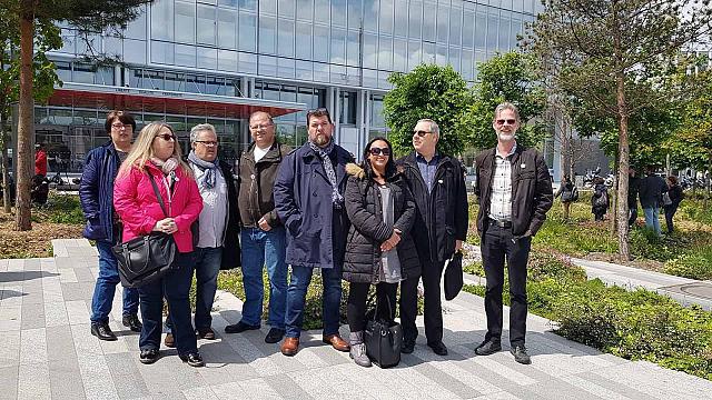 Une délégation de FO Com et les avocats de la fédération étaient présents lors de l'ouverture du procès des dirigeants de FranceTélécom, ce 6 mai 2019, en soutien aux familles des victimes.